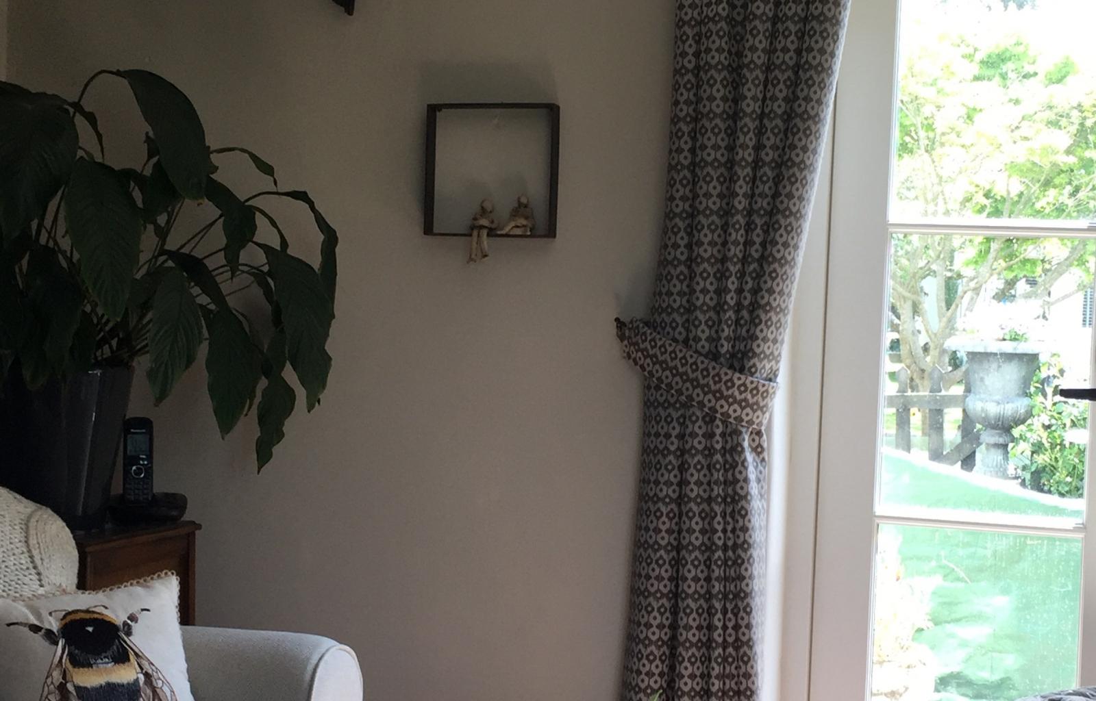 Cottage-pattern-pelmet-curtains-ga